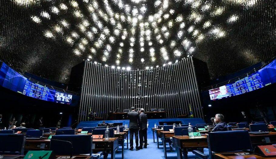 Senado aprova em 2º turno pec que retoma auxílio com contrapartidas fiscais