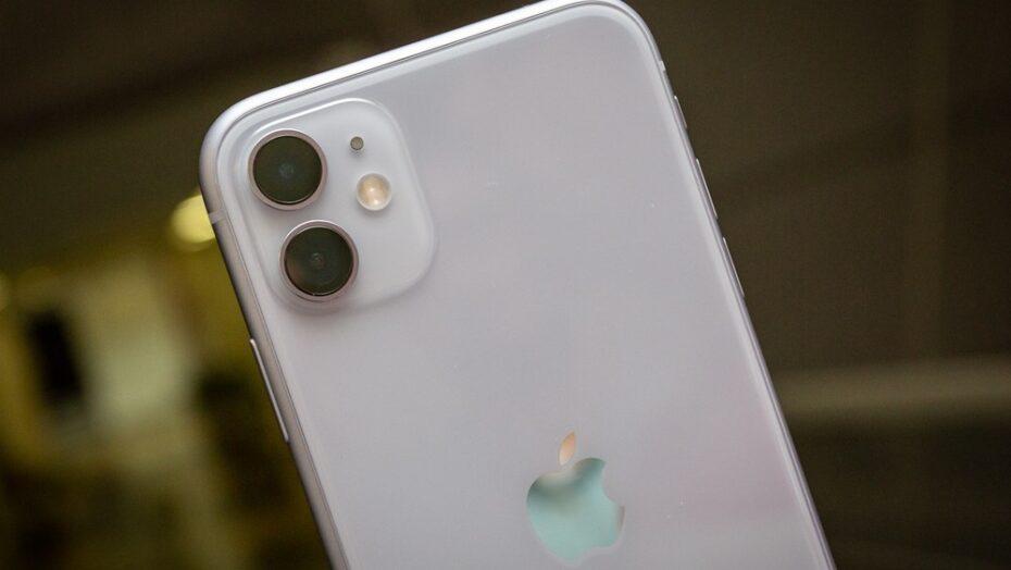 Câmera do seu celular pode ser invadida? saiba como proteger suas fotos