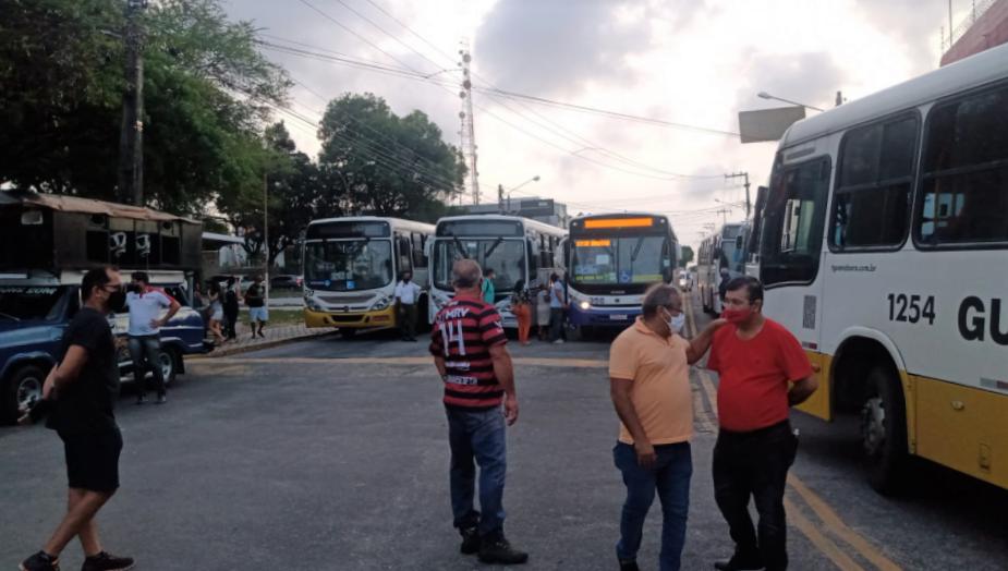 Motoristas de ônibus iniciam nova paralisação no viaduto do baldo e afetam trânsito