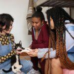 O desafio para jovens não adotados que completam 18 anos