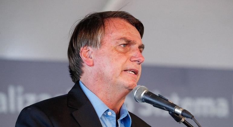 Bolsonaro: 'vamos apurar os responsáveis pelo combustível alto'