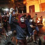 Paraguai tem 2ª noite de protestos contra presidente abdo por falta de vacinas