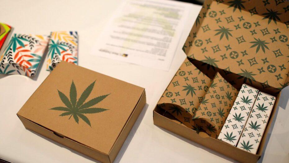Nova york, nos eua, aprova legalização da maconha