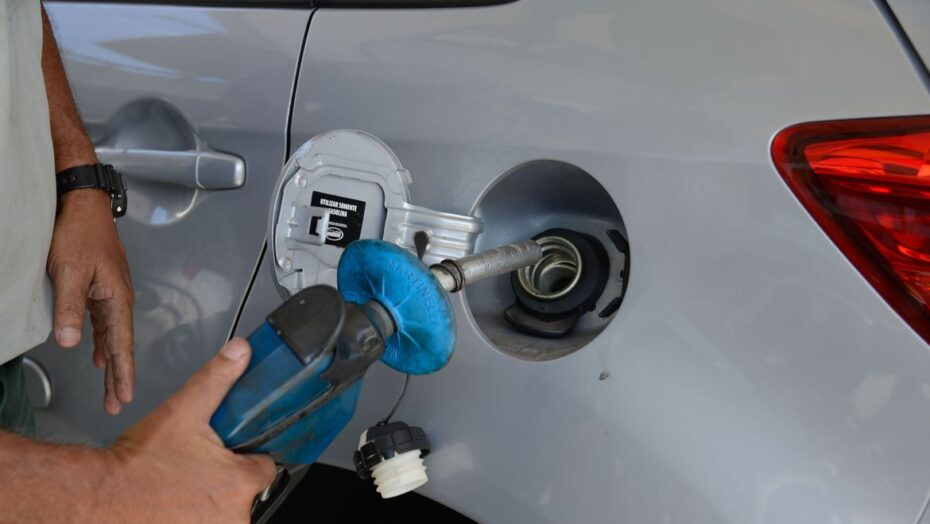 Preços de gasolina, diesel e gás aumentam nesta terça nas refinarias