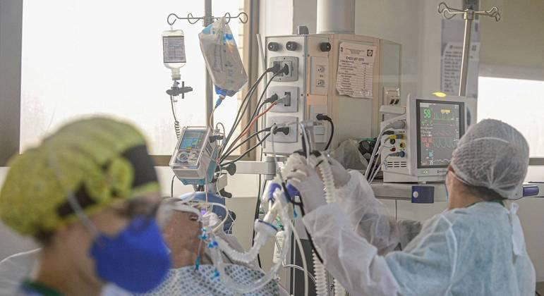 Mais de 100 pacientes à espera de uti morreram em santa catarina