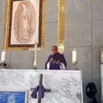 Padre chama bolsonaro de 'irresponsável' e 'genocida' durante missa