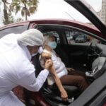 """Natal começa vacinação de idosos de 85 anos ou mais contra covid-19: """"momento de esperança"""""""