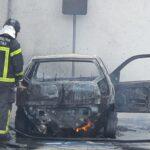 Carro pega fogo no alecrim, em natal, e bombeiros são acionados; veja vÍdeo