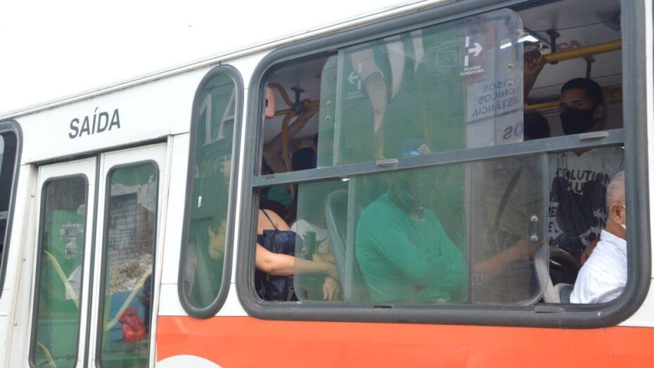Natalenses reclamam de aglomerações nos ônibus e pedem aumento da frota