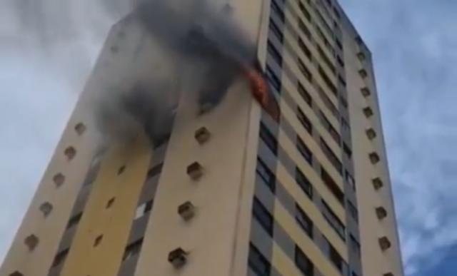 Incêndio atinge apartamento em condomínio da zona oeste de natal