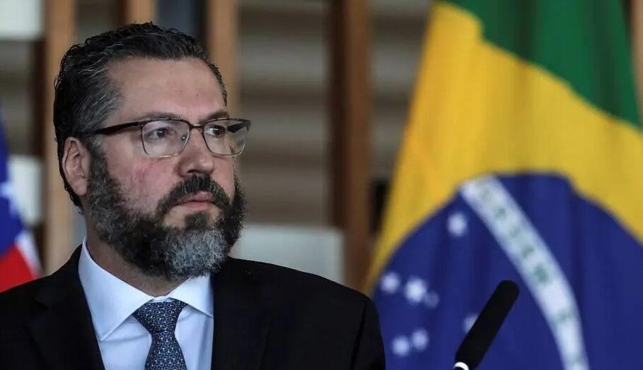 Ernesto araújo aponta parceria de cientistas do brasil e israel para ações de combate à covid-19