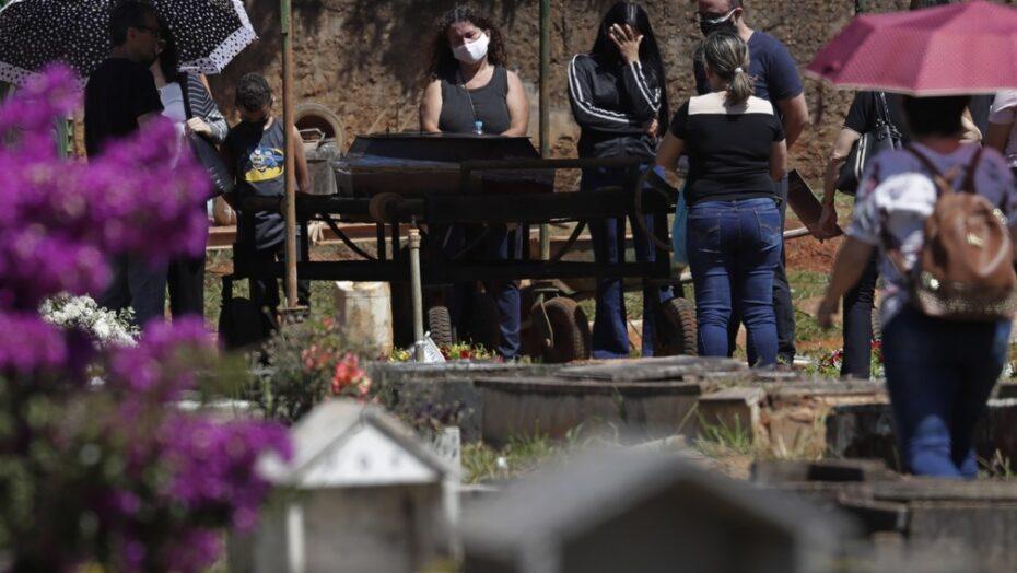 Brasil é o país das américas com mais mortes por covid por milhão de habitantes