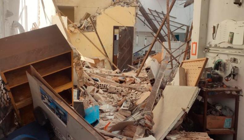 Casas desabam e 6 pessoas ficam feridas após explosão nas rocas, em natal