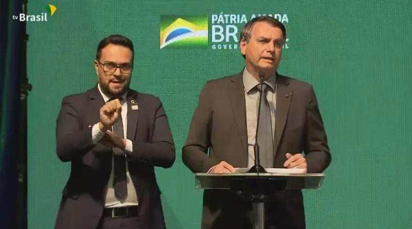 'não vai ter lockdown nacional', reforça bolsonaro, destacando que forças armadas não apoiarão prefeitos e governadores
