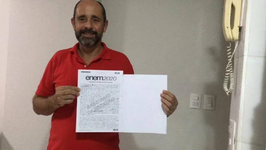Ex-morador de rua tira 920 na redação do enem: 'estudei pelo youtube'