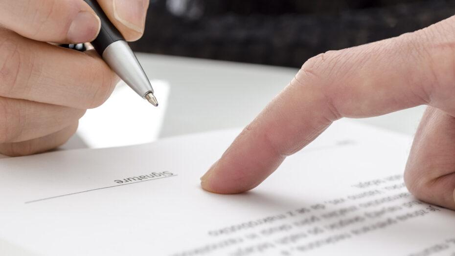Banco deve indenizar por cobrar dívida sem comprovar autenticidade do contrato