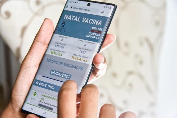 Plataforma lançada pela prefeitura informa em tempo real dados sobre pontos de vacinação em natal; saiba onde não tem fila
