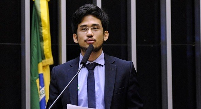 Tj-sp condena kim kataguiri por ofensa a funcionários dos correios