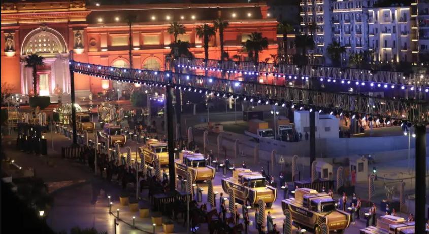 Egito transfere múmias a novo museu em desfile majestoso