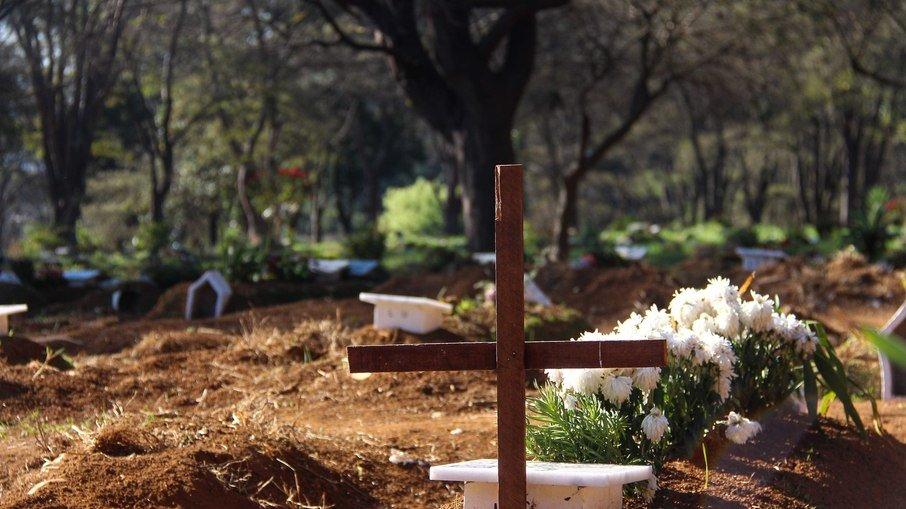 Brasil volta a registrar quase 3 mil mortes por covid-19 em 24h