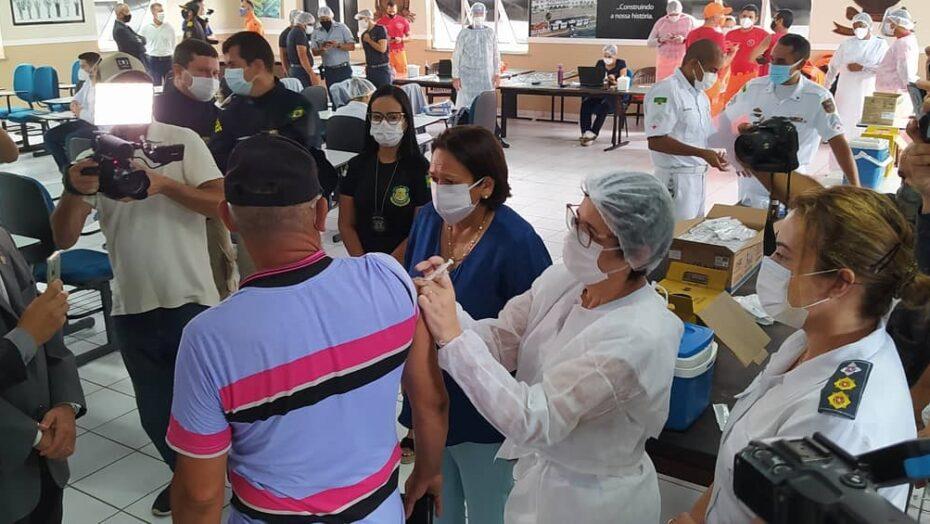 Rn inicia aplicação de vacinas em profissionais de segurança pública