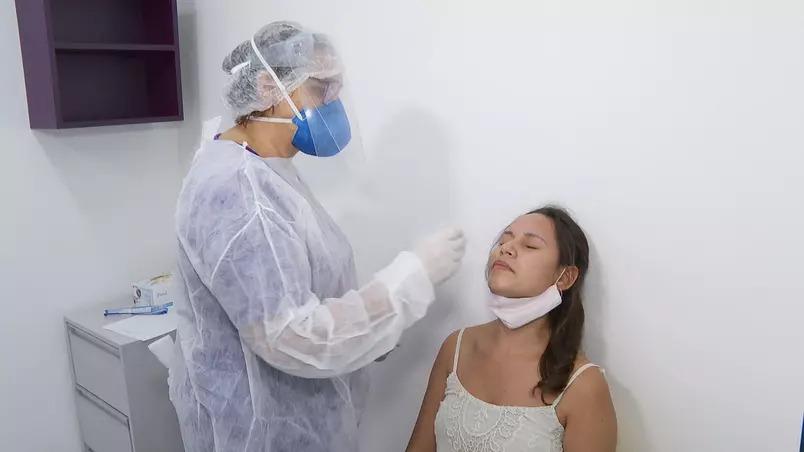Casos globais de covid-19 aumentam pela sétima semana consecutiva, diz oms