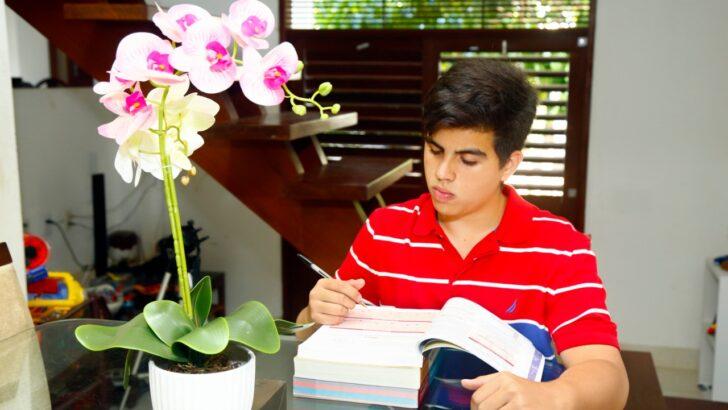 Americano cria método de estudo e tira 813,05 no enem ainda no 2° ano do ensino médio; saiba qual