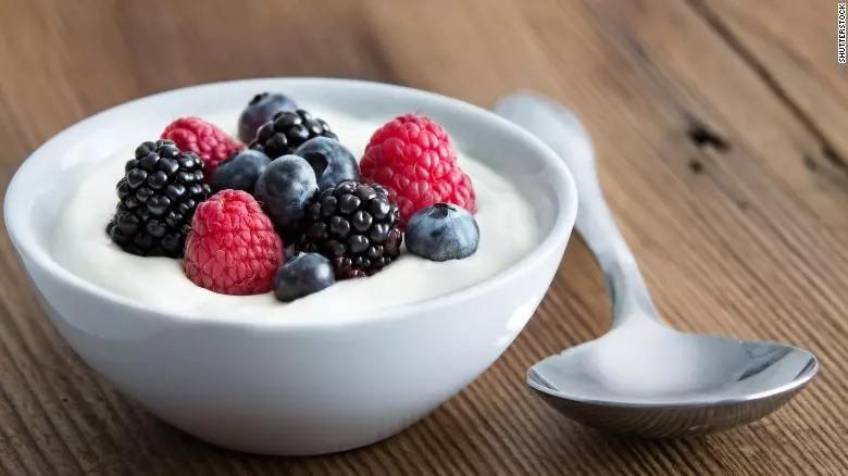 Conheça 9 alimentos que ajudam a ter uma boa noite de sono