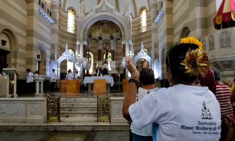'liminar que reabre igrejas confunde o povo', dispara frente nacional de prefeitos: