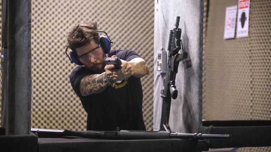 Entenda as regras sobre compra de armas e munições que passam a valer nesta segunda-feira