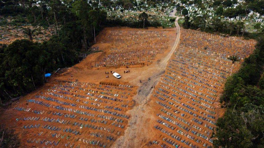 Brasil tem 30 mil casos de covid em 24h e se aproxima de 14 milhões de infecções