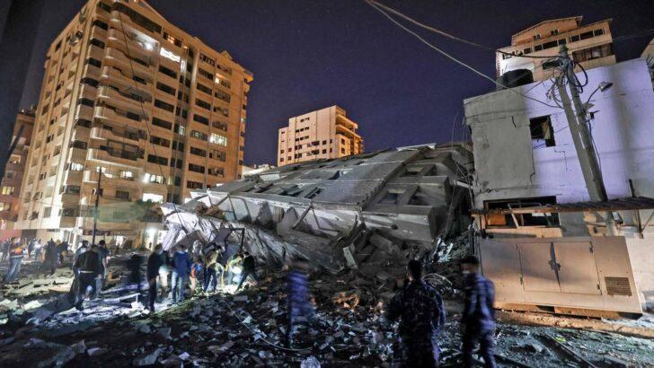 Foguetes do hamas atingem tel aviv e matam uma pessoa após derrubada de prédio em bombardeio a gaza