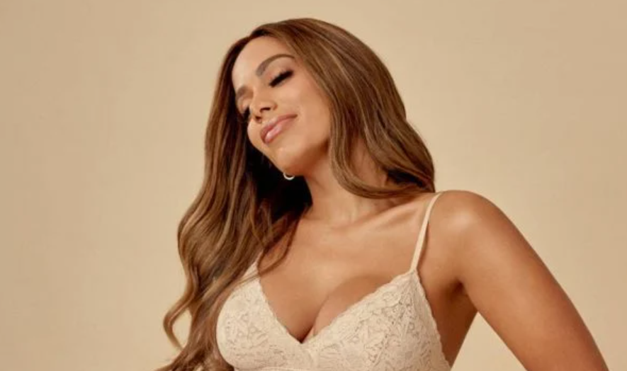 """Anitta usa redes sociais para aderir à campanha """"fora, bolsonaro"""""""