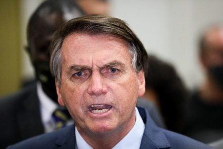 """Bolsonaro sobre isolamento: """"tem idiotas que até hoje ficam em casa"""""""