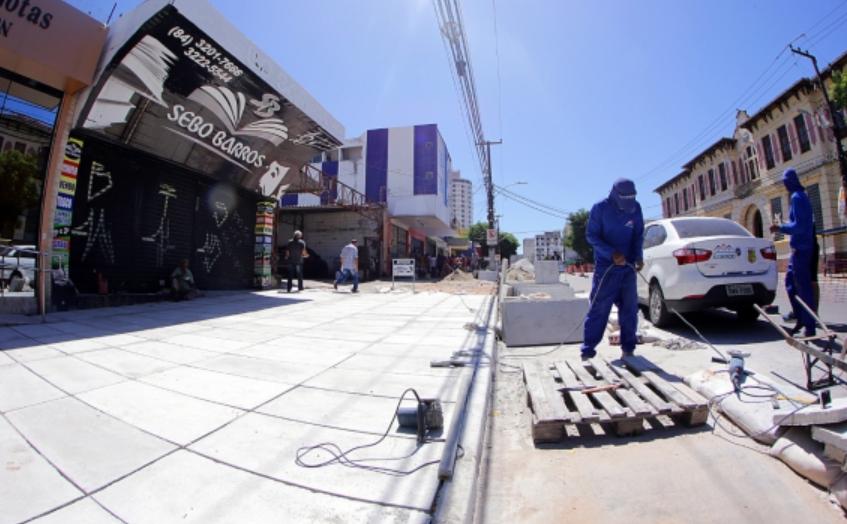 Prefeitura investe em melhorias de calçadas em todas as regiões de Natal