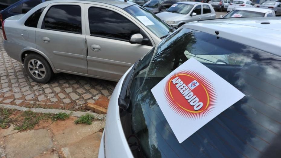 Detran abre visitação pública a veículos que vão a leilão na próxima quinta-feira
