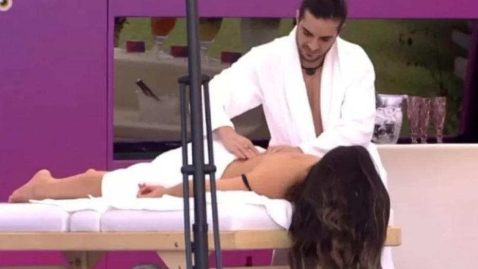 """Bbb 21: fiuk faz massagem em juliette e clima esquenta: """"É ótimo"""""""