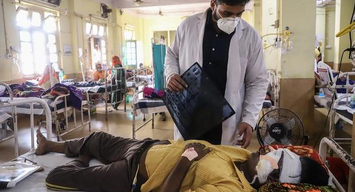 Infecção com alta letalidade afeta pacientes com covid e pode virar epidemia