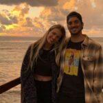 """Após polêmicas envolvendo família, gabriel medina se declara para yasmin brunet em rede social: """"amo seu coração e seu caráter"""""""