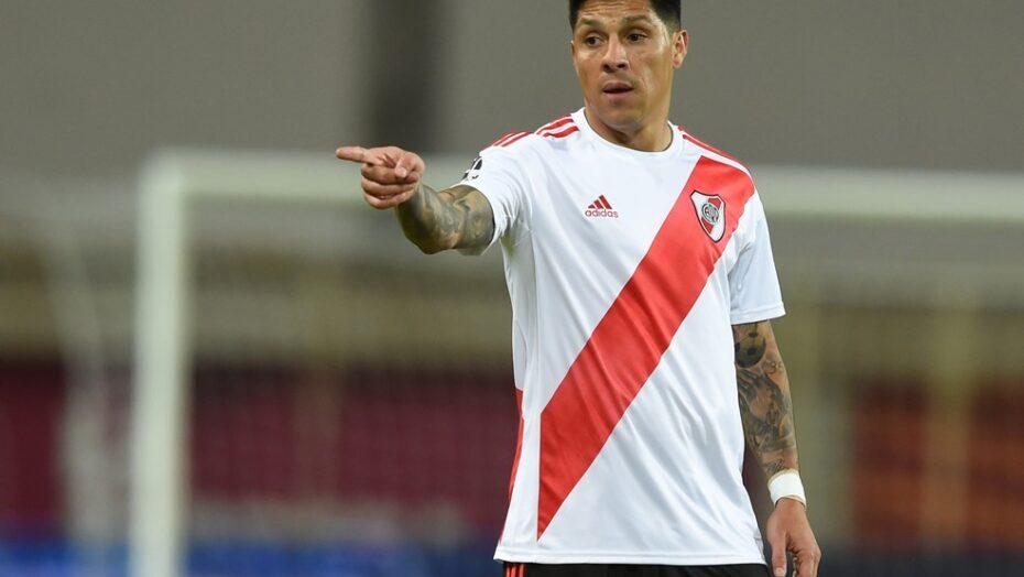Após surto de covid, river plate vai improvisar meio-campo lesionado no gol para jogo da libertadores