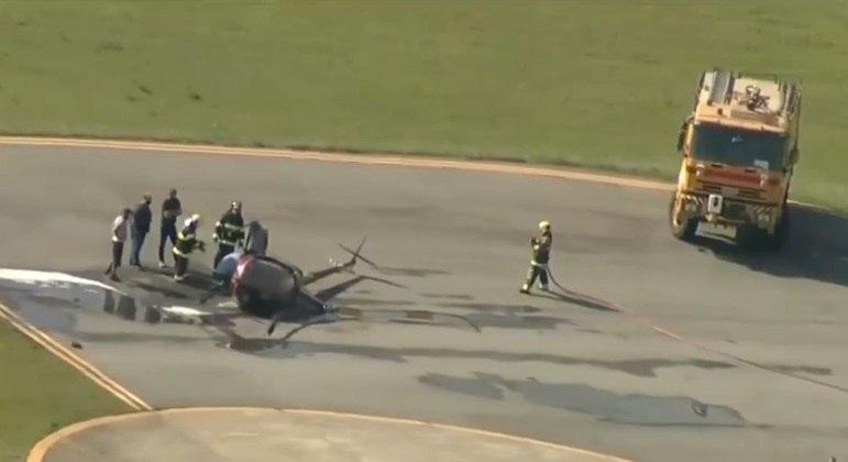 Helicóptero cai em aeroporto nesta segunda-feira e duas pessoas ficam feridas