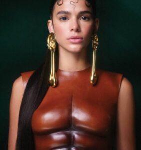 """Internautas comparam bruna marquezine a uma barata: """"a mais bonita do mundo"""""""