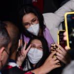 Campeã do bbb 21, juliette causa aglomeração em aeroporto de são paulo