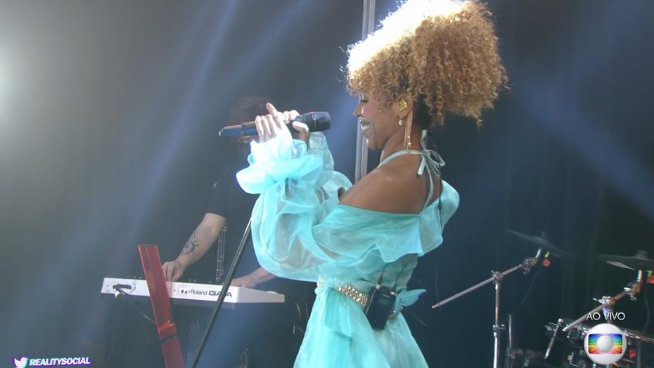 """Karol conká apresenta música nova """"dilúvio"""" na final do bbb 21"""
