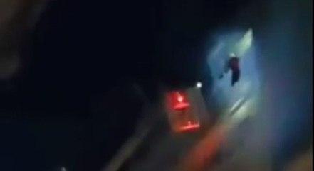 Jogador é resgatado de incêndio em hotel após ficar pendurado em janela do 11º andar