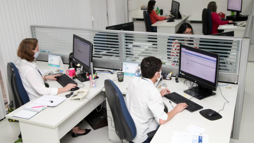Marcelo hollanda: brasil tem sétimo maior gasto do mundo com servidores públicos numa lista de 74 países