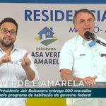 """Bolsonaro compara seu governo ao de lula e chama petista de """"ladrão de 9 dedos"""""""