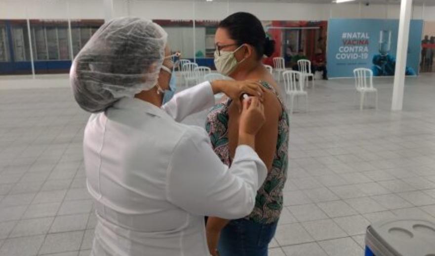 Natal disponibiliza segunda dose da coronavac para pessoas que foram vacinadas até 9 de abril