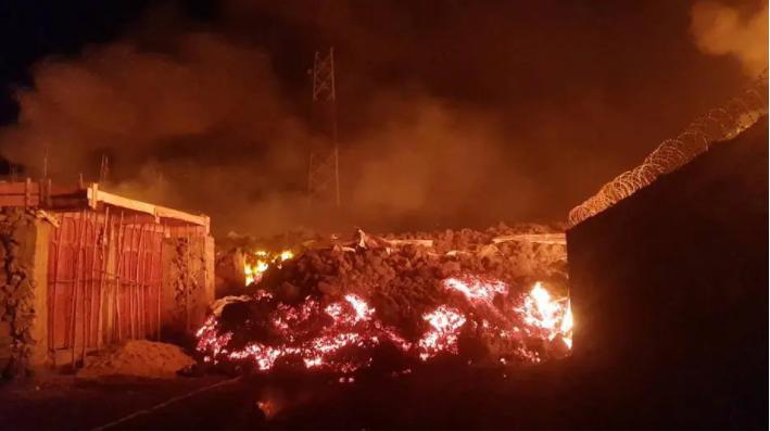Vulcão entra em erupção e lança 'rio de lava' sobre cidade na república democrática do congo