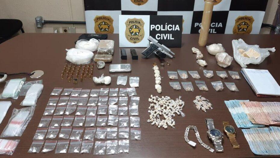 Polícia prende casal que comandava tráfico de drogas em macaíba